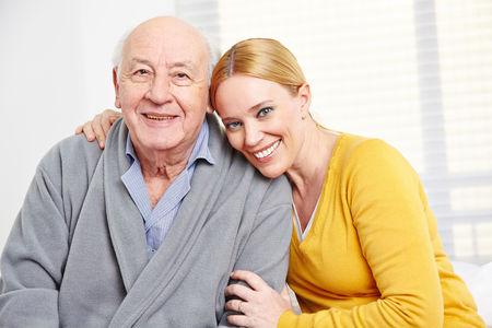 Busco trabajo cuidando personas mayores